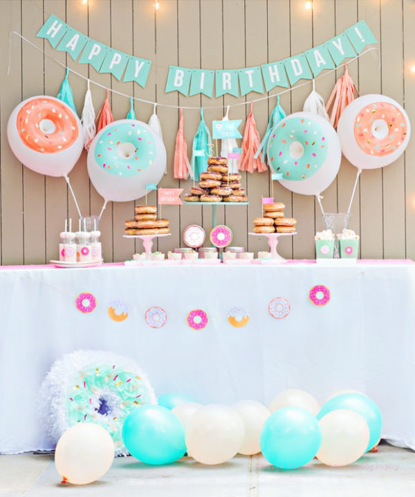 donut-dessert-table-620x742