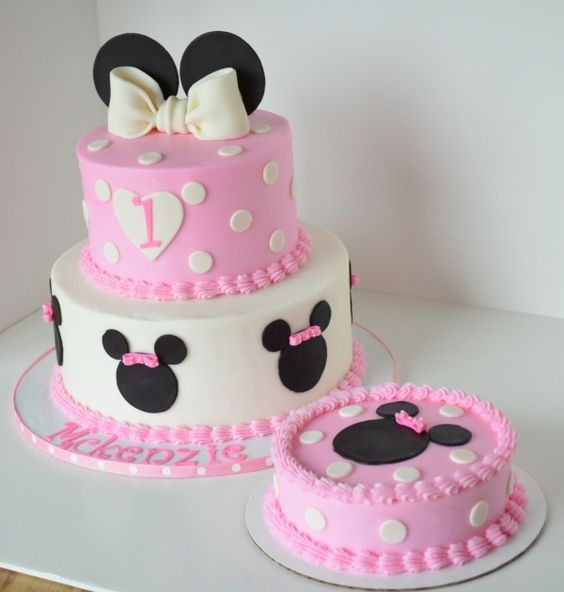 party-ideas-ph-minnie-mouse-birthday-cakes-26