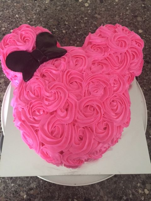 party-ideas-ph-minnie-mouse-birthday-cakes-33