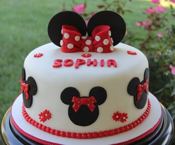 party-ideas-ph-minnie-mouse-birthday-cakes-39