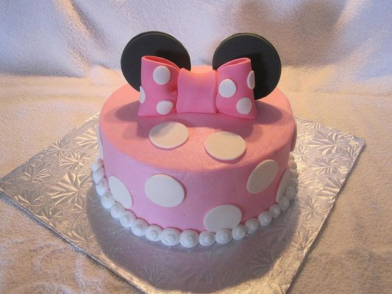 party-ideas-ph-minnie-mouse-birthday-cakes-44